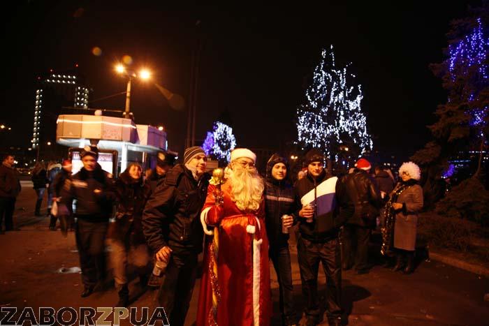 Новый год 2014 в Запорожье на Фестивальной