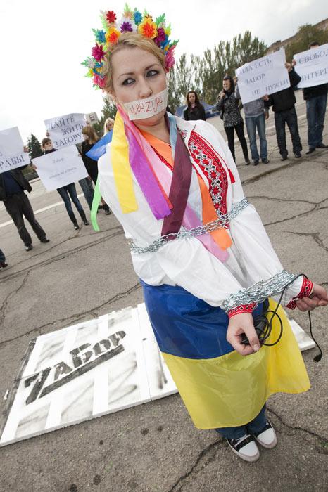 Украина соскальзывает в тёмную яму цензуры