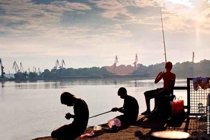 рыбалка в порту ленина запорожье
