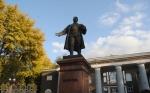 Памятник Кирову перед ДК ЗАлК (им. Кирова) в Запорожье